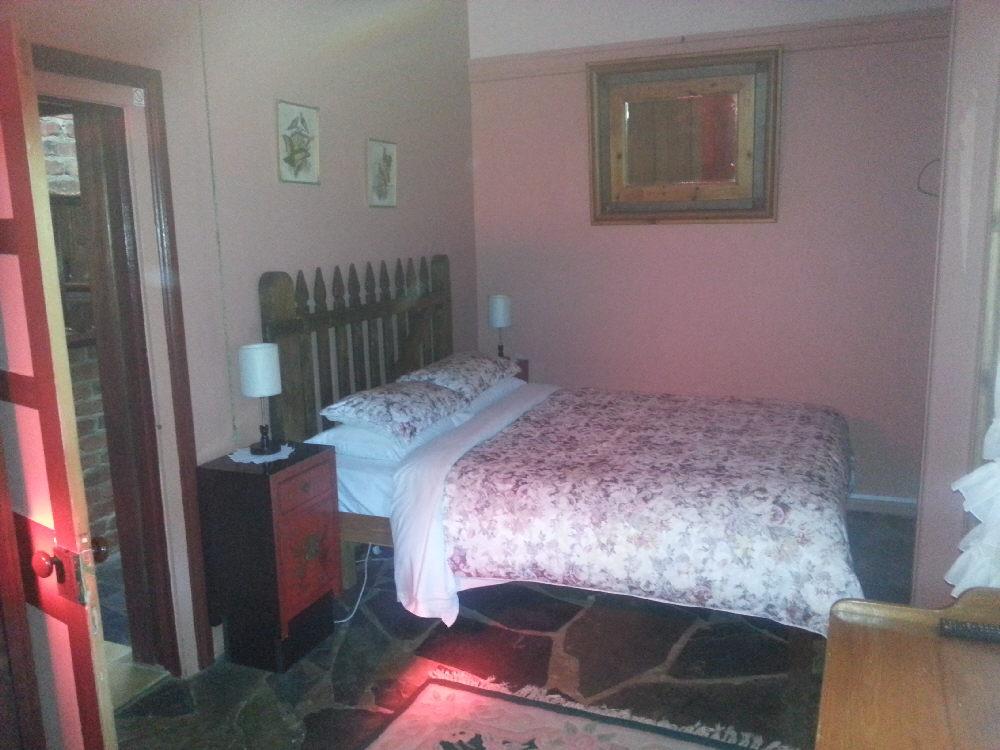 Thomson bedroom